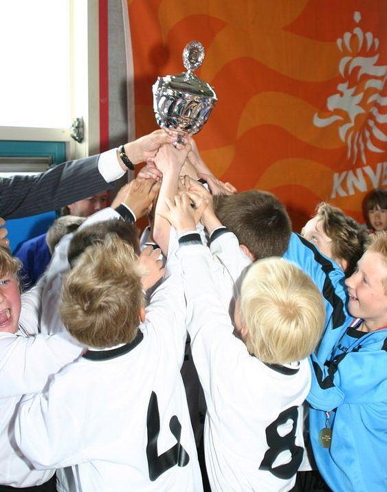Anno 2009: een KNVB-beker voor de F7